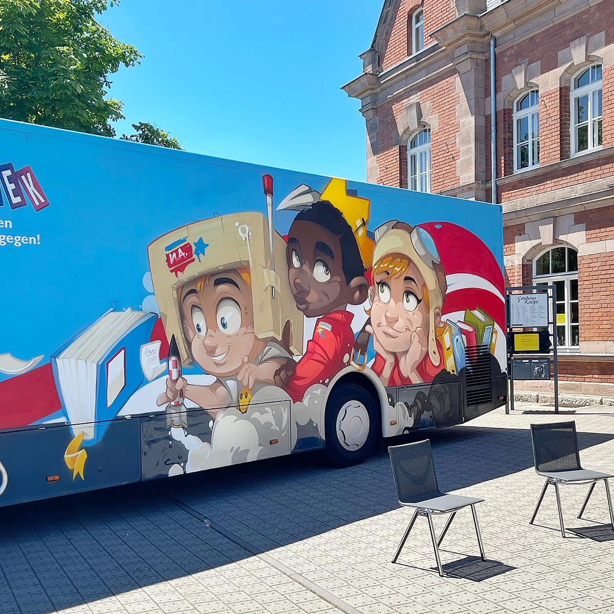 Bus der Stadtbibliothek – Street Art on Wheels